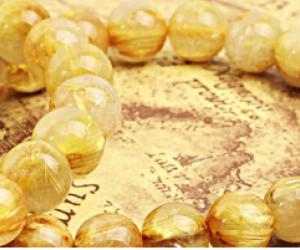 Ý nghĩa và tác dụng của vòng đeo tay đá thạch anh tóc vàng