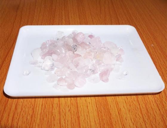 Thạch anh vụn hồng đổ móng nhà - HĐB 01