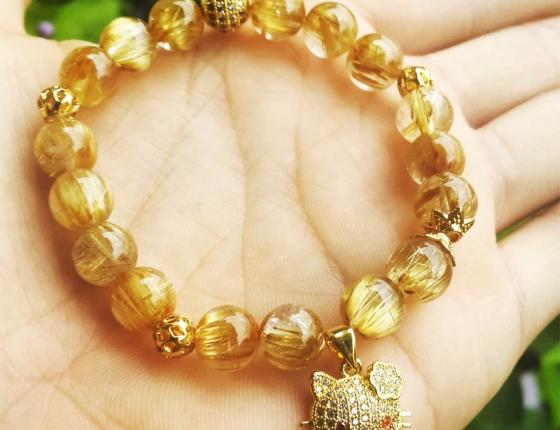 Vòng tay phong thủy - thạch anh tóc vàng A01
